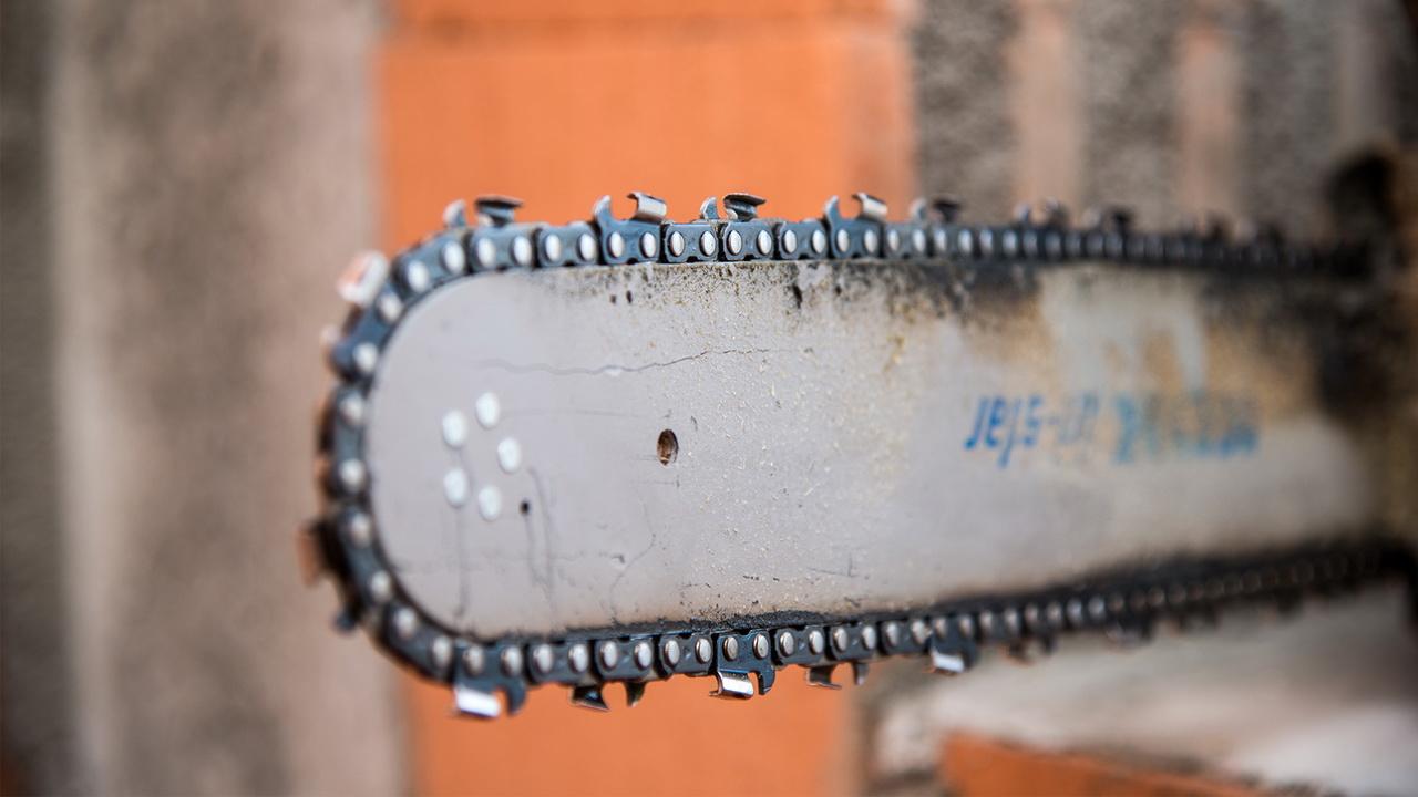 Egner Bauunternehmen Detail Säge