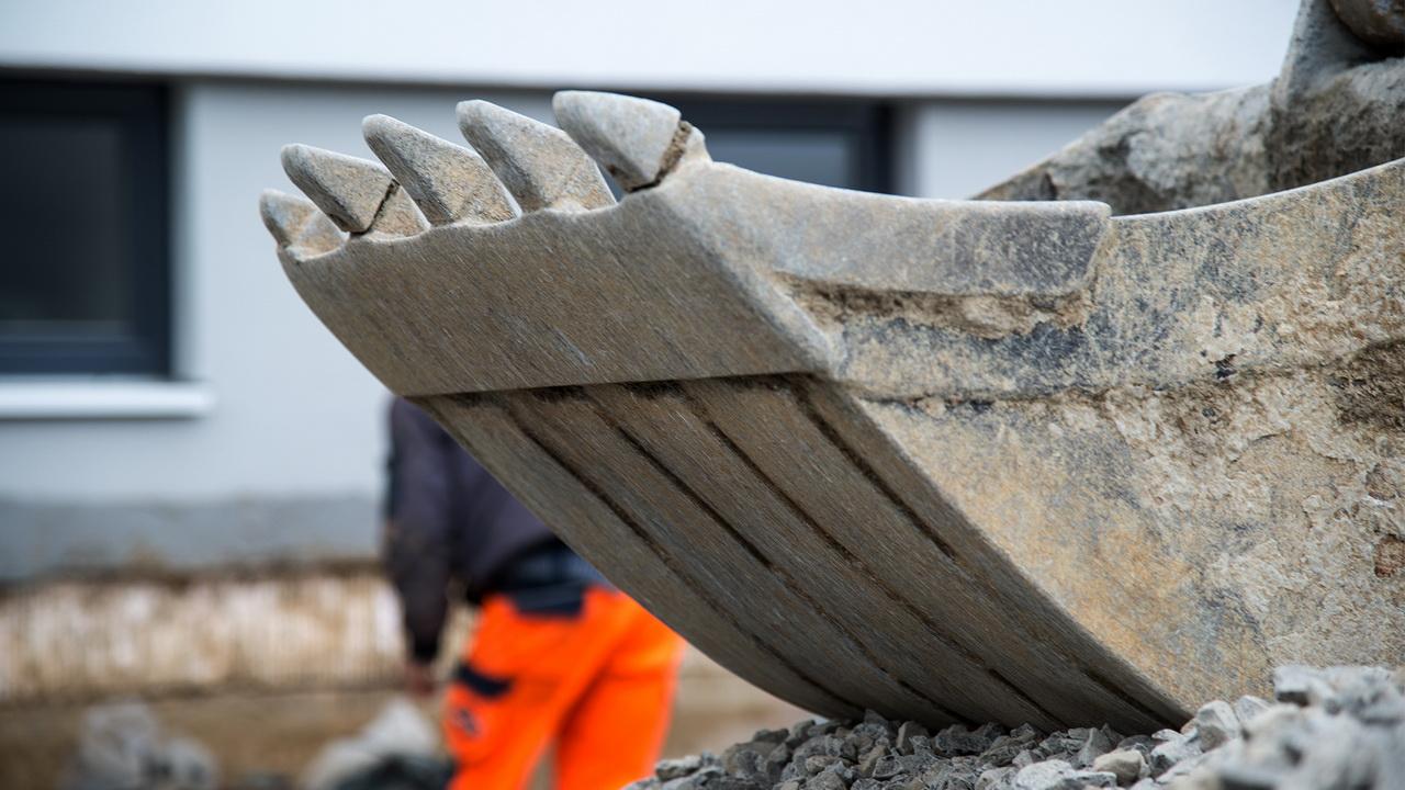 Egner Bauunternehmen Detail Schaufel